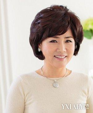 美容 发型 流行发型 / 正文  人到中年短发发型就居多了,那50岁的中年图片