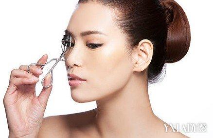 【图】怎么用睫毛夹呢 十大步骤教你熟练使用睫毛夹