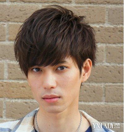 男士20短发发型设计 时尚个性俘获芳心:阳光齐刘海发型  韩范男生发型图片
