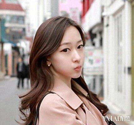 【图】额头高长脸的女生适合什么发型 秒变小清新的气质美女图片
