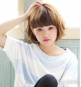 【图】齐刘海时尚男生女生演绎发型小a时尚_齐发型烫短发中分微图片