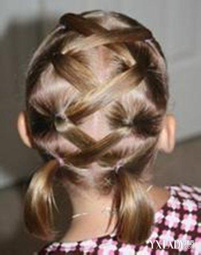 时尚已经不在只是属于成年人,现在也有很多宝宝们的发型也是很时尚很潮流的哦!已经觉得世间任何语言都失去了描述它的能力,这样极致的美感,是任何一种发型都无可比拟的。可爱的小女孩们,若配上精致的辫子,那将会是怎样的一种与众不同呢。精致的小女孩辫子怎么扎,简单好学的小女孩小辫子扎法,让小朋友马上就变得活泼时尚起来,就会让小朋友们一样变得漂亮呢。相信很多妈妈都希望把自己的宝贝打扮的美美的,儿童的发型选择从短发到长发,百变多样风格也不尽相同。儿童编辫子的发型扎法也不少,以下分享几款儿童编辫子发型扎法,妈妈们快来学习一
