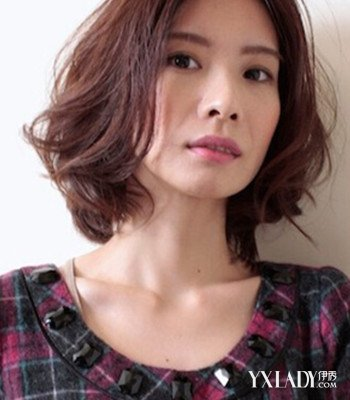 最新短发梨花头发型第三款 适合脸型:圆脸,菱形脸,国字脸 中分发型图片
