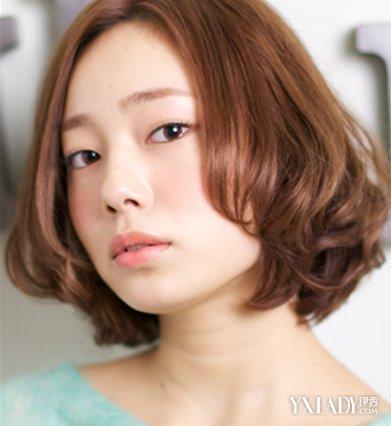 超短发发型,可爱呆萌的超短刘海与清爽的露耳短发烫发打造出个性与图片