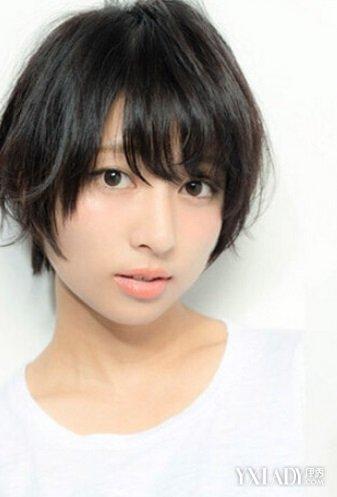 发型 流行发型 正文  甜美短发第三款 适合脸型:菱形脸,瓜子脸  一款图片