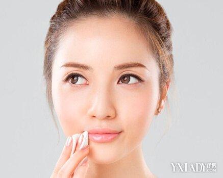 【图】女性脸上长痘痘是什么原因