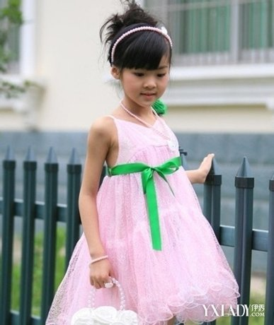 【图】儿童盘头发型推荐 (387x460)图片