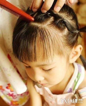 小女孩编发发型扎法