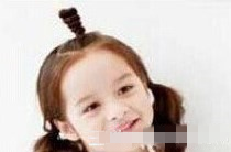 10岁儿童编发辫子女孩爱美女生大全短发更可爱发型短发的黑白照图片