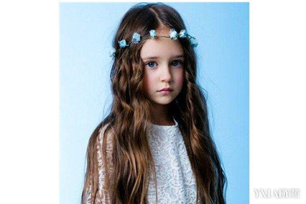 外国小女孩发型图片展示图片