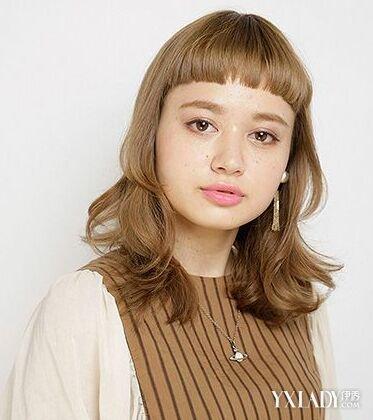 深棕色头发图片女款发型 棕色发色浪漫惬意女人味十足