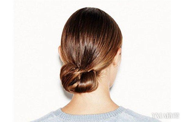 【图】简单易学扎头发发型介绍 热荐4种简单扎法