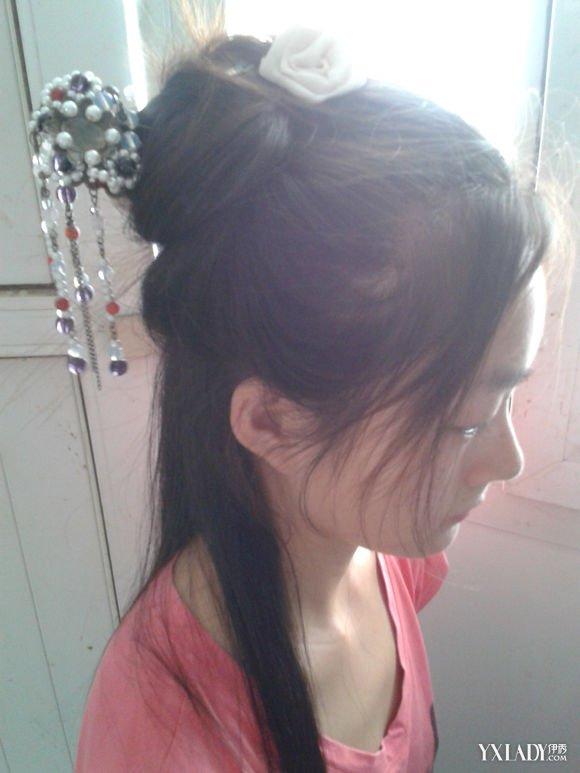 让小编来教你一种简单的汉服发型吧!