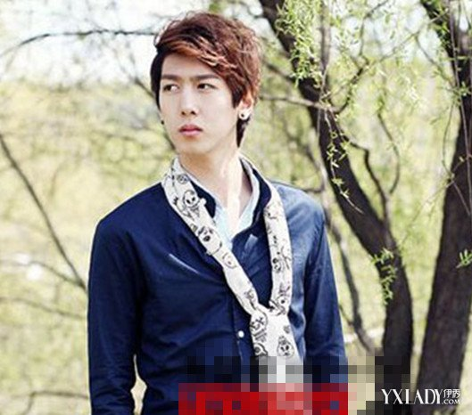 韩国带刘海男发型图片 几款发型让你帅气又可爱图片