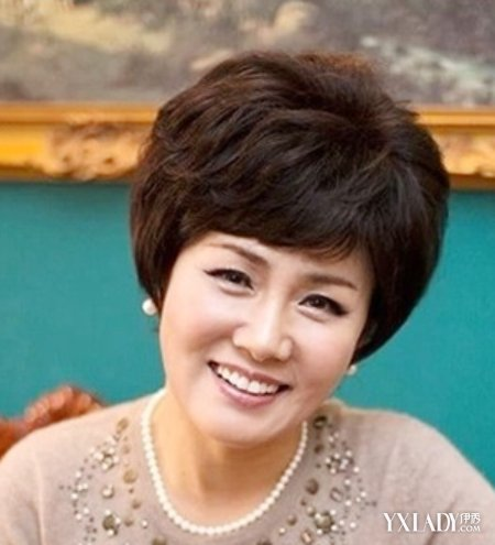 五十岁女人发型短发推荐 清爽又显温婉气质图片