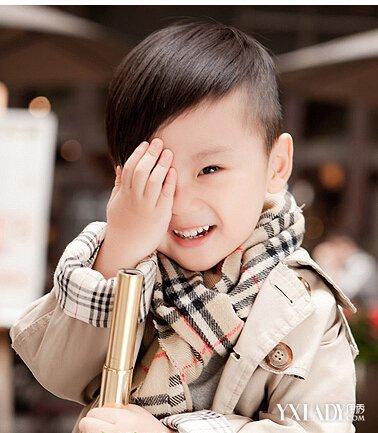 【图】培养小男孩子的发型有哪些从小是否男背头烫发要适合图片