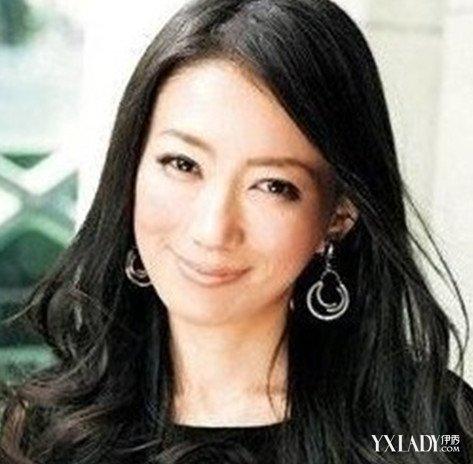 50岁女人适合什么发型 中年妇女减龄发型(3) tags: 50岁 ...