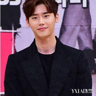 韩式中分男发型 帅气诠释潮男风尚
