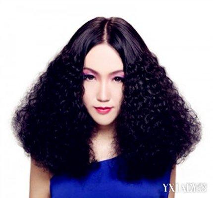 短玉米穗女发型造型图片