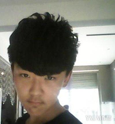 中学生桃心发型男 教你瞬间变个性男孩