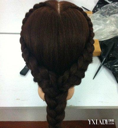 小女孩爱心盘发发型图片欣赏 4款爱心发型让宝贝美美哒