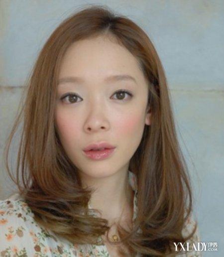 女发型图片中分 优雅气质轻松凸显图片