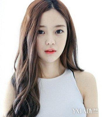 韩国女生卷发图片 时尚百搭韩味图片