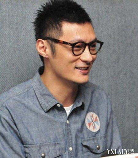 鲨鱼头潮男�yg�_男生 短发 鲨鱼头发型,演绎出潮男的个性流行发型