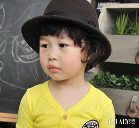 美容 发型 流行发型 / 正文  大部分家长都认为小男孩子就该剪寸头图片