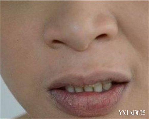 【图】嘴唇口红怎么涂步骤 4个步骤教你嘴唇涂口红