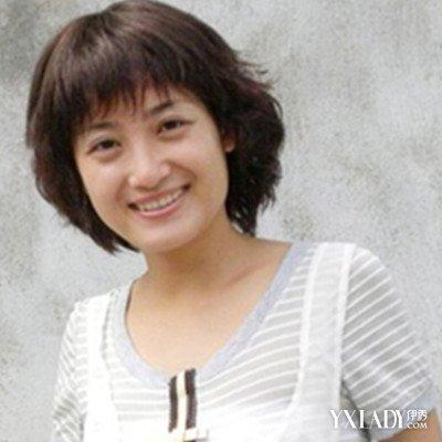 新圆脸中年女人适合的发型图片 时尚魅力十足图片