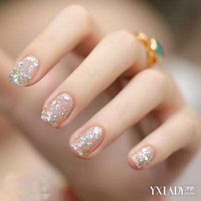 彩妆 潮流彩妆 正文   6纯色美甲喜欢低调的奢华可以选择这款,纯白色