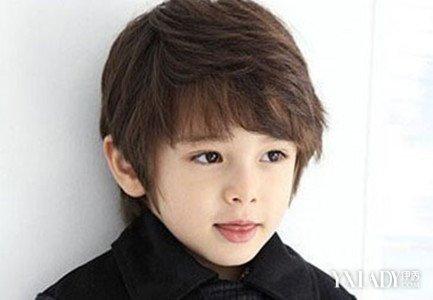 欧美小男孩帅气发型图片 萌哒哒帅气感图片