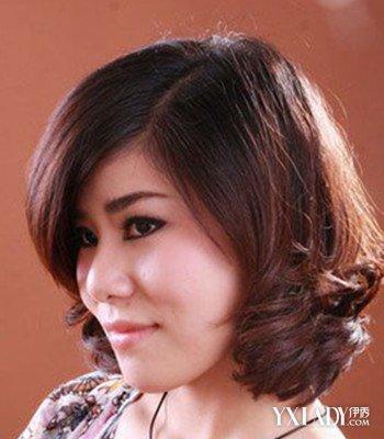 【图】中年女性短发烫发型图片欣赏 减龄显气质图片