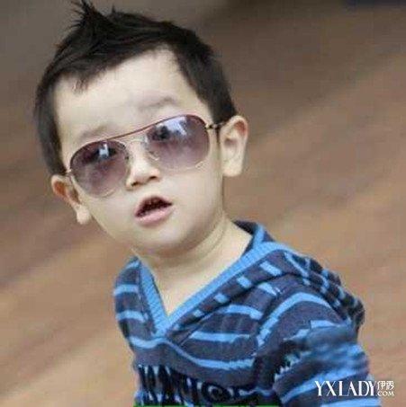 两岁宝宝发型图片大全男宝宝发型 尽显可爱潮童范图片