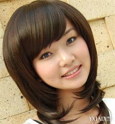 正文 对于大圆脸脖子短的女生来说选择发型最主要的要点就是靠头发