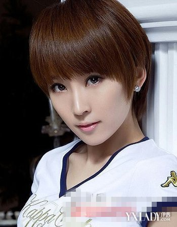 齐刘海短发直发发型图片推荐 尽显短发淑女范