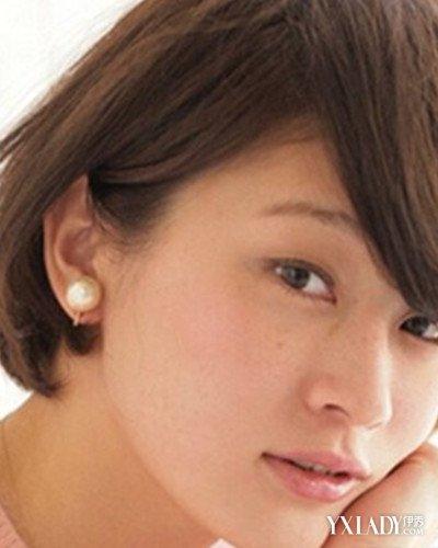 【图】知性齐耳短发烫发发型盘点