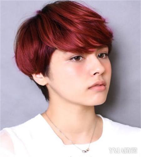 酒红色漂染短发发型推荐 塑造百变轻熟女图片