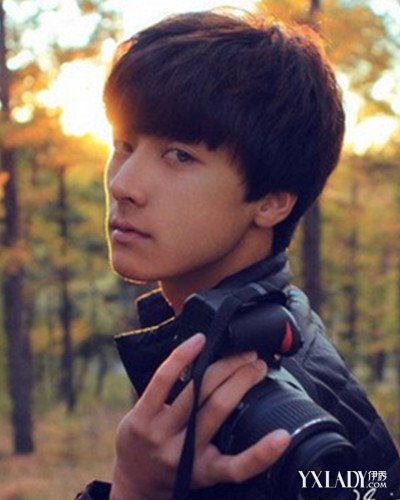 中学生的男生短发发型 我想要一个初中生帅气的短