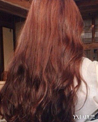 【图】日韩女生卷发背影图片盘点 长卷头发更显气质图片