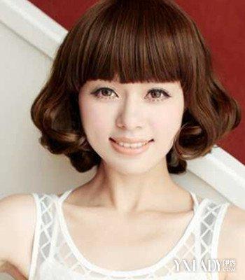 齐刘海齐肩短发内卷发型女图片 4款时尚蛋卷头发型来袭图片