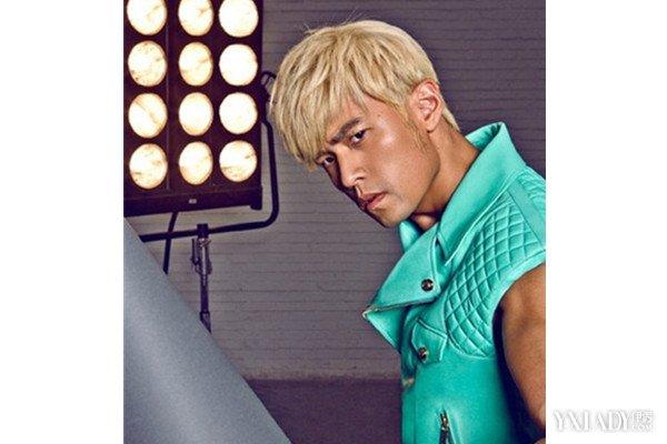 周杰伦黄头发依然好看 评点周杰伦各发型图片