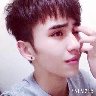 2018帅中学生男发型 可爱帅气满分图片