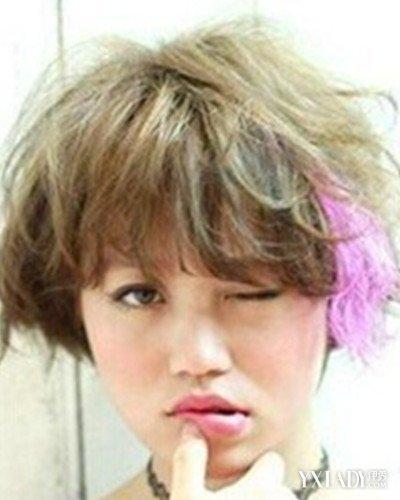 渐变色红色头发发型 打造粉嫩美少女图片