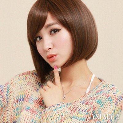 斜刘海中短发波波头发型,柔顺的发丝颇显光泽,发尾的内扣自然大气图片