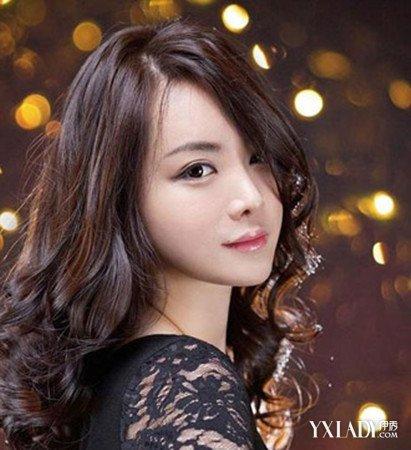 【图】适合参加聚会的发型 甜美公主烫超抢眼图片