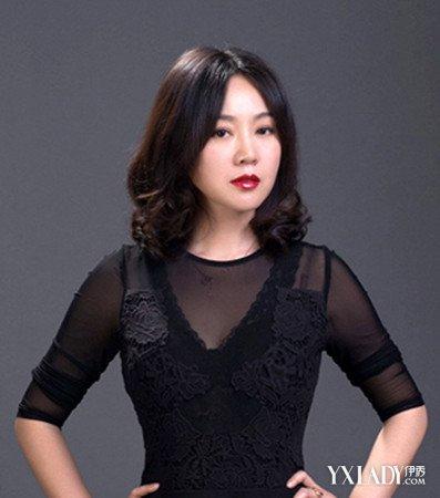 闫妮最新发型图片展示图片