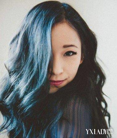 漂一缕蓝色头发图片 时尚蓝色染发打造清新唯美个性