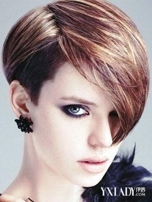 前长后短的短发发型 帅气妩媚的迷人发型图片